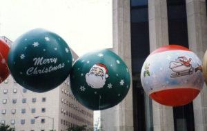 christmas-ornaments-helium-parade-balloons